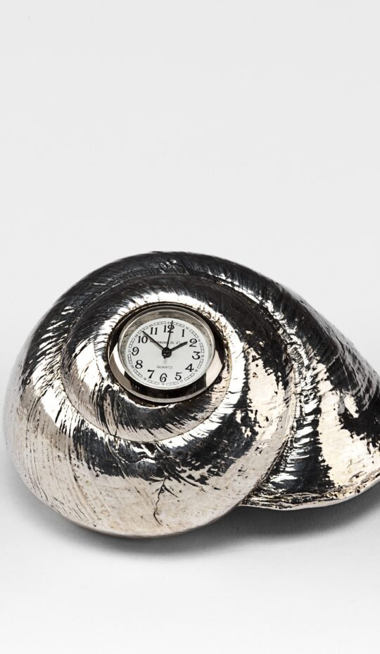Rosy Top Shell Clock Silver