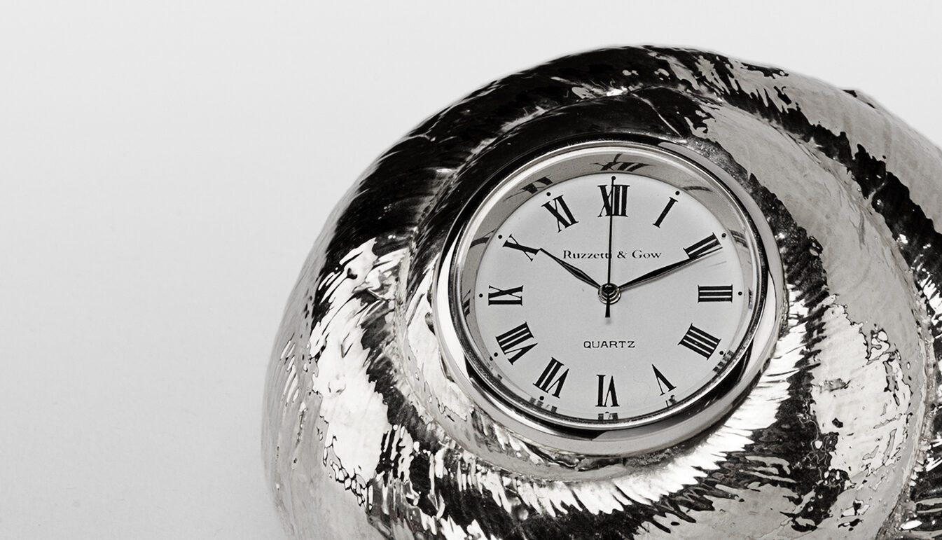 silver-rosy-top-clock