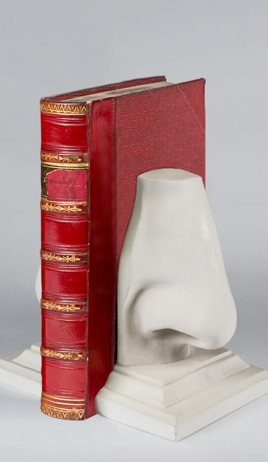 Nose Bookend