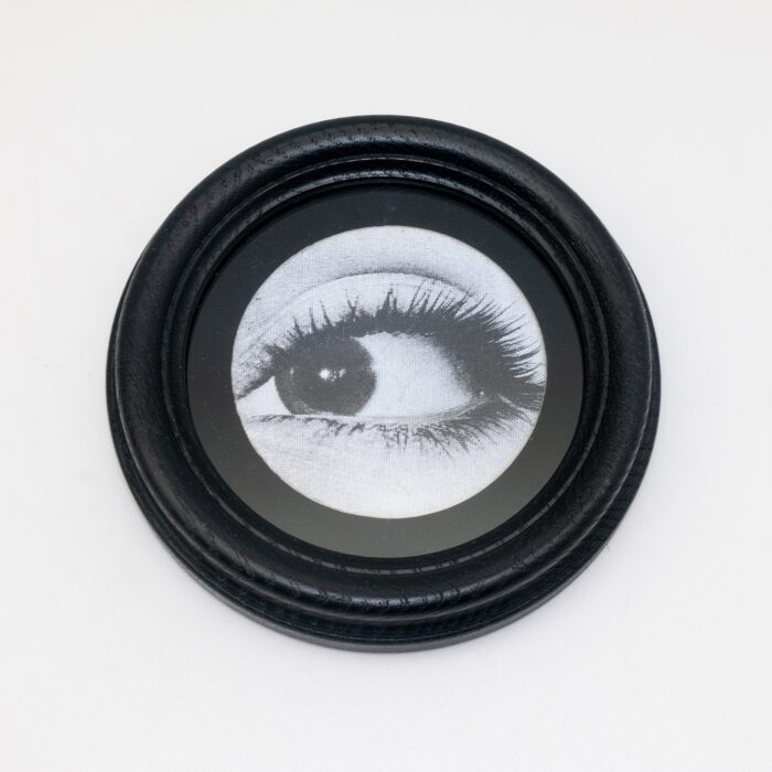 Lenticular Eye in Round Frame